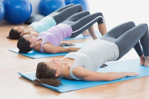 Rückbildung mit Yoga & Pilates